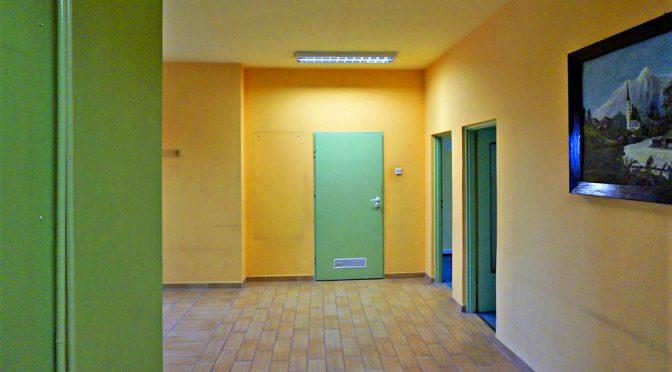 korytarz i wejście do biura do wynajęcia we Wrocławiu