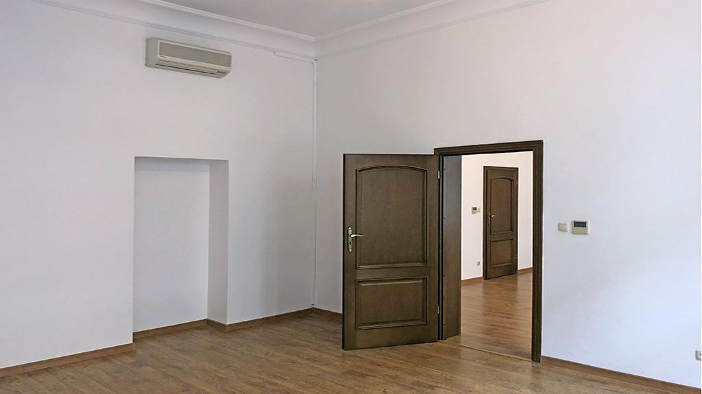 urządzone w stylu klasycznym wnętrze biura do wynajęcia Wrocław